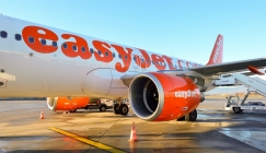 EasyJet air hostess 'sacked for eating a bacon sandwich'