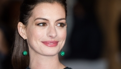 Anne Hathaway Steps Out Smiling After Pregnancy News