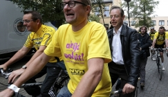 Bike-promoting Belgian minister finds own cycle stolen