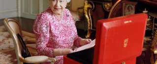 Would you like to get a letter from the Queen? Write her a Christmas card.