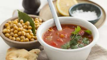 Moroccan Soup with Crunchy Chickpeas