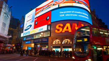 Lights go out at London's iconic Piccadilly Circus