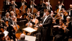 NOTW - iPhone ringtone brings New York Philharmonic to a stop