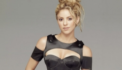 Shakira - Peter Andre interview - very funny:- )