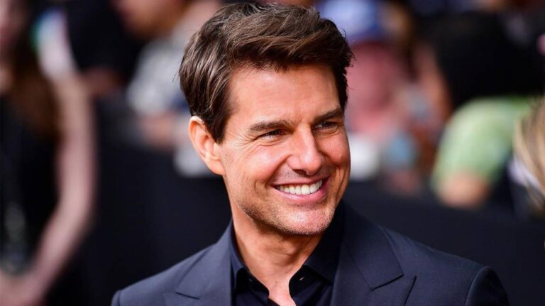 Tom Cruise signs football shirts for club fundraiser